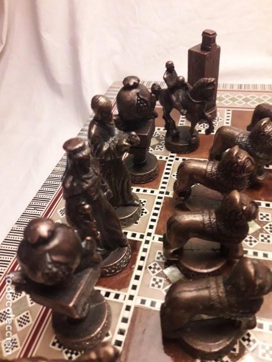 Juegos de mesa: Maravilloso conjunto ajedrez, damas, tablero de taracea nácar madreperla y baúl motivos granadinos - Foto 26 - 157246334