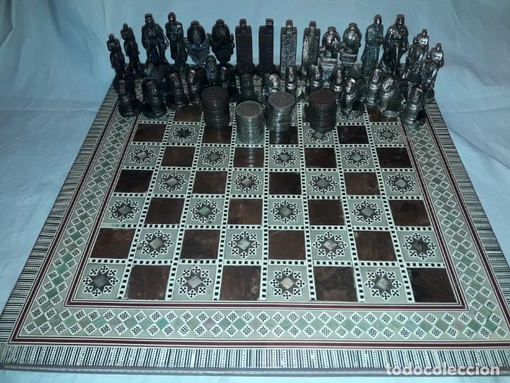 Juegos de mesa: Maravilloso conjunto ajedrez, damas, tablero de taracea nácar madreperla y baúl motivos granadinos - Foto 28 - 157246334