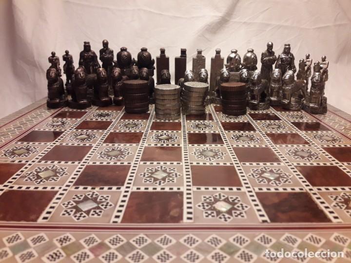 Juegos de mesa: Maravilloso conjunto ajedrez, damas, tablero de taracea nácar madreperla y baúl motivos granadinos - Foto 30 - 157246334