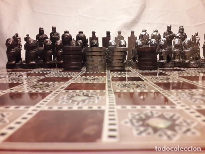 Juegos de mesa: Maravilloso conjunto ajedrez, damas, tablero de taracea nácar madreperla y baúl motivos granadinos - Foto 31 - 157246334
