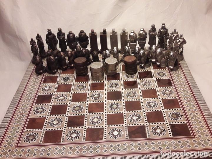 Juegos de mesa: Maravilloso conjunto ajedrez, damas, tablero de taracea nácar madreperla y baúl motivos granadinos - Foto 32 - 157246334
