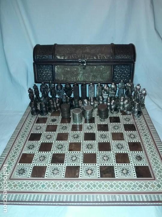 Juegos de mesa: Maravilloso conjunto ajedrez, damas, tablero de taracea nácar madreperla y baúl motivos granadinos - Foto 23 - 157246334