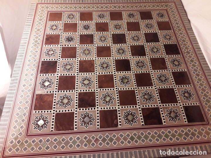 Juegos de mesa: Maravilloso conjunto ajedrez, damas, tablero de taracea nácar madreperla y baúl motivos granadinos - Foto 39 - 157246334