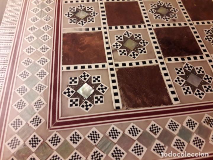 Juegos de mesa: Maravilloso conjunto ajedrez, damas, tablero de taracea nácar madreperla y baúl motivos granadinos - Foto 40 - 157246334