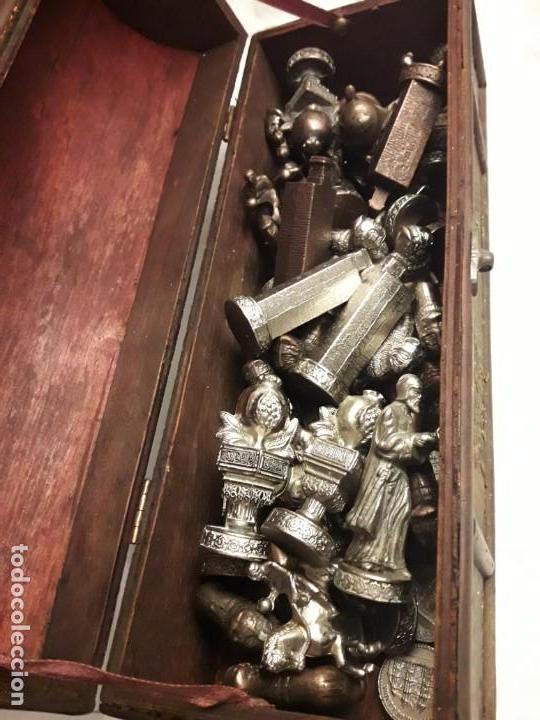 Juegos de mesa: Maravilloso conjunto ajedrez, damas, tablero de taracea nácar madreperla y baúl motivos granadinos - Foto 43 - 157246334