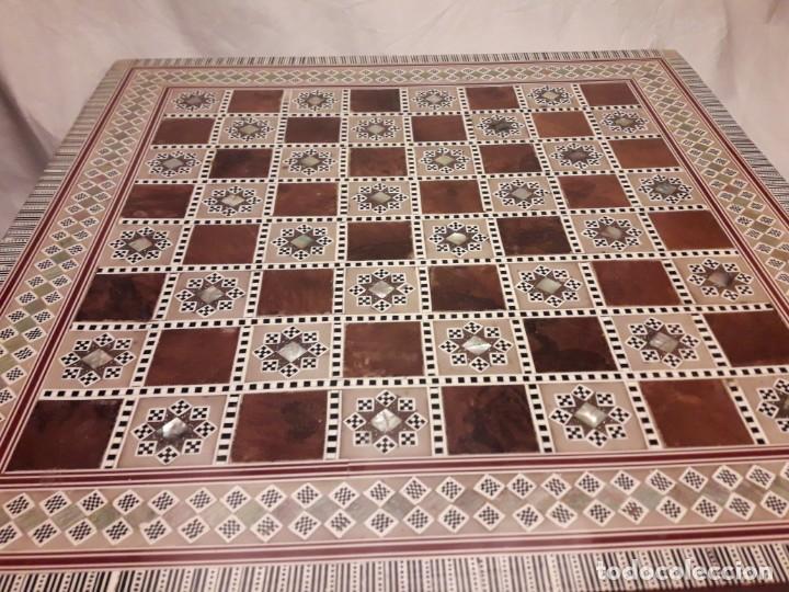 Juegos de mesa: Maravilloso conjunto ajedrez, damas, tablero de taracea nácar madreperla y baúl motivos granadinos - Foto 44 - 157246334