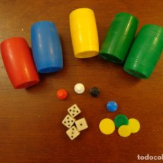 Juegos de mesa: CUBILETES VARIADOS FICHAS Y DADOS PARA REPUESTOS. Lote 158721630