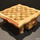 Juegos de mesa: PEQUEÑO AJEDREZ MARQUETERIA DE MADERA RUSTICO BALI CON CAJONERAS . Lote 159291438