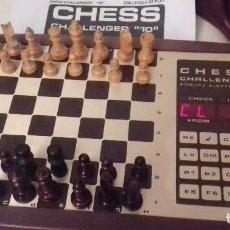 Juegos de mesa: AJEDREZ ELECTRONICO VINTAGE CHESS CHALLENGER 10 FIDELITY ELECTRONICS COMPUTADORA BUEN ESTADO. Lote 159882078