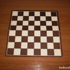 Juegos de mesa: GEYPER JUEGOS REUNIDOS: ANTIGUO TABLERO DAMAS Y AJEDREZ. Lote 162460750