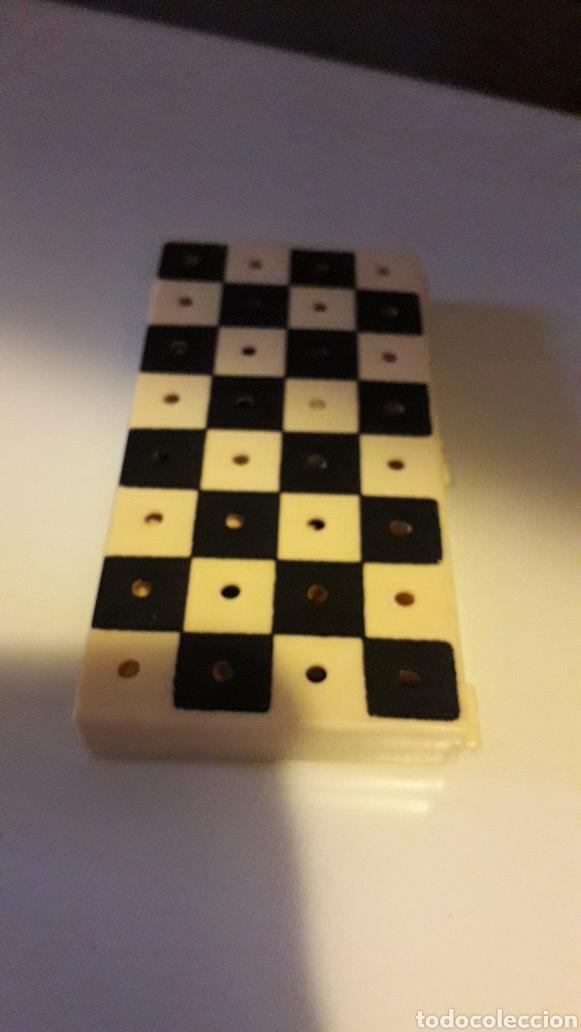 Juegos de mesa: Juego Ajedrez y Damas portátil - Foto 3 - 163607594