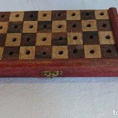Juegos de mesa: PEQUEÑO JUEGO DE AJEDREZ DE VIAJE COMPLETO. Lote 165866718