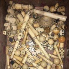 Juegos de mesa: ANTIGUOS DADOS Y JUEGO ORIGINALES. Lote 168637633