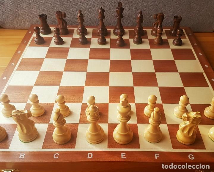 AJEDREZ STAUNTON CLÁSICO CON TABLERO / CAJA PLEGABLE DE MADERA (Juguetes - Juegos - Juegos de Mesa)