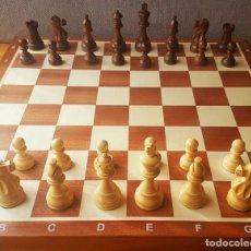 Juegos de mesa: AJEDREZ STAUNTON CLÁSICO CON TABLERO / CAJA PLEGABLE DE MADERA. Lote 170251078