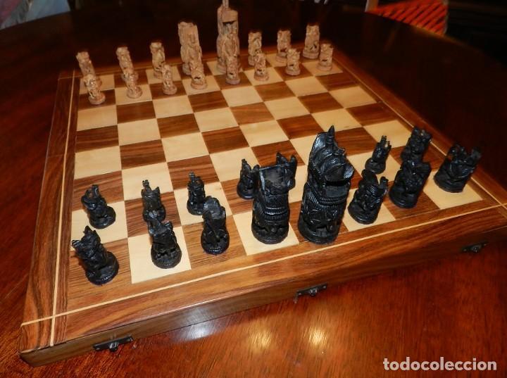 Juegos de mesa: Antiguo Juego de Ajedrez Indio tallado a mano, llevalas 32 piezas talladas a mano en madera, todo ta - Foto 2 - 170977843
