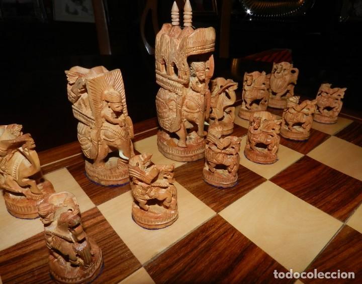 Juegos de mesa: Antiguo Juego de Ajedrez Indio tallado a mano, llevalas 32 piezas talladas a mano en madera, todo ta - Foto 3 - 170977843