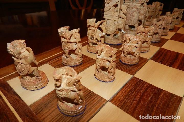 Juegos de mesa: Antiguo Juego de Ajedrez Indio tallado a mano, llevalas 32 piezas talladas a mano en madera, todo ta - Foto 4 - 170977843