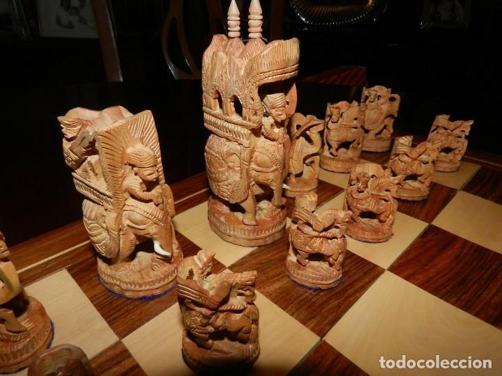 Juegos de mesa: Antiguo Juego de Ajedrez Indio tallado a mano, llevalas 32 piezas talladas a mano en madera, todo ta - Foto 5 - 170977843
