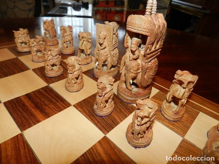 Juegos de mesa: Antiguo Juego de Ajedrez Indio tallado a mano, llevalas 32 piezas talladas a mano en madera, todo ta - Foto 8 - 170977843