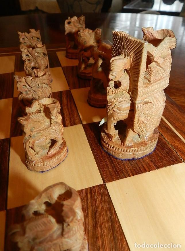 Juegos de mesa: Antiguo Juego de Ajedrez Indio tallado a mano, llevalas 32 piezas talladas a mano en madera, todo ta - Foto 13 - 170977843
