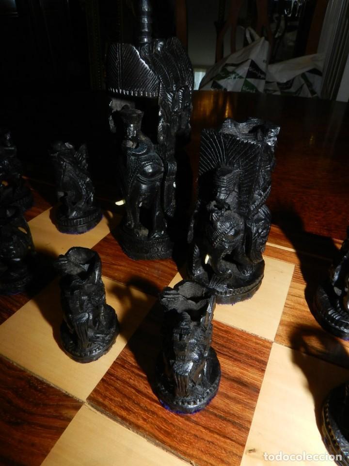 Juegos de mesa: Antiguo Juego de Ajedrez Indio tallado a mano, llevalas 32 piezas talladas a mano en madera, todo ta - Foto 15 - 170977843