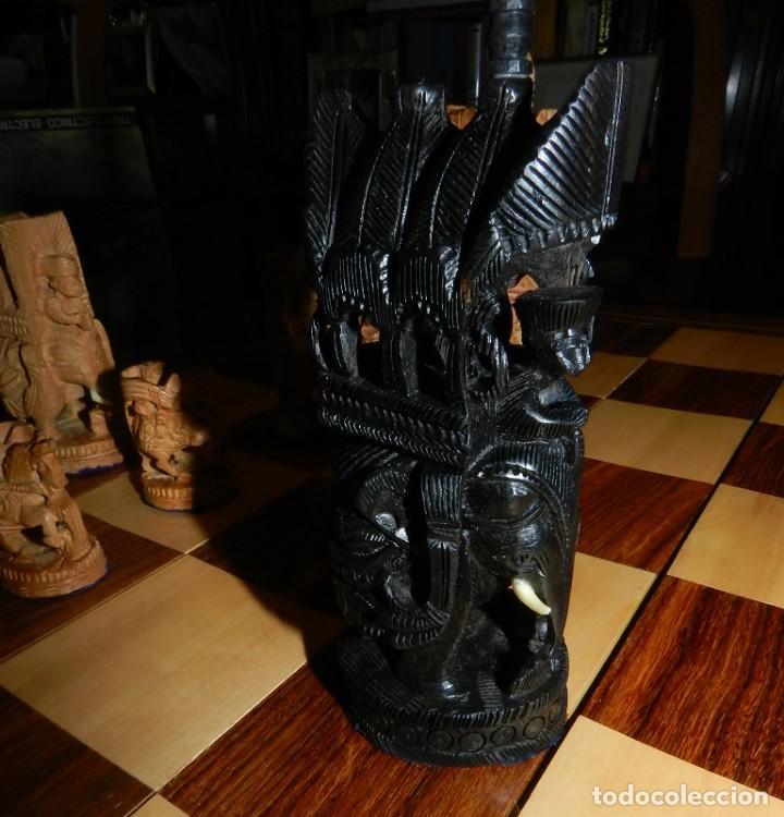 Juegos de mesa: Antiguo Juego de Ajedrez Indio tallado a mano, llevalas 32 piezas talladas a mano en madera, todo ta - Foto 18 - 170977843