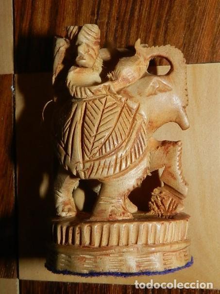 Juegos de mesa: Antiguo Juego de Ajedrez Indio tallado a mano, llevalas 32 piezas talladas a mano en madera, todo ta - Foto 28 - 170977843