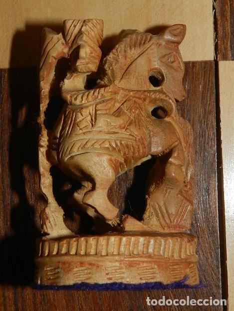 Juegos de mesa: Antiguo Juego de Ajedrez Indio tallado a mano, llevalas 32 piezas talladas a mano en madera, todo ta - Foto 29 - 170977843