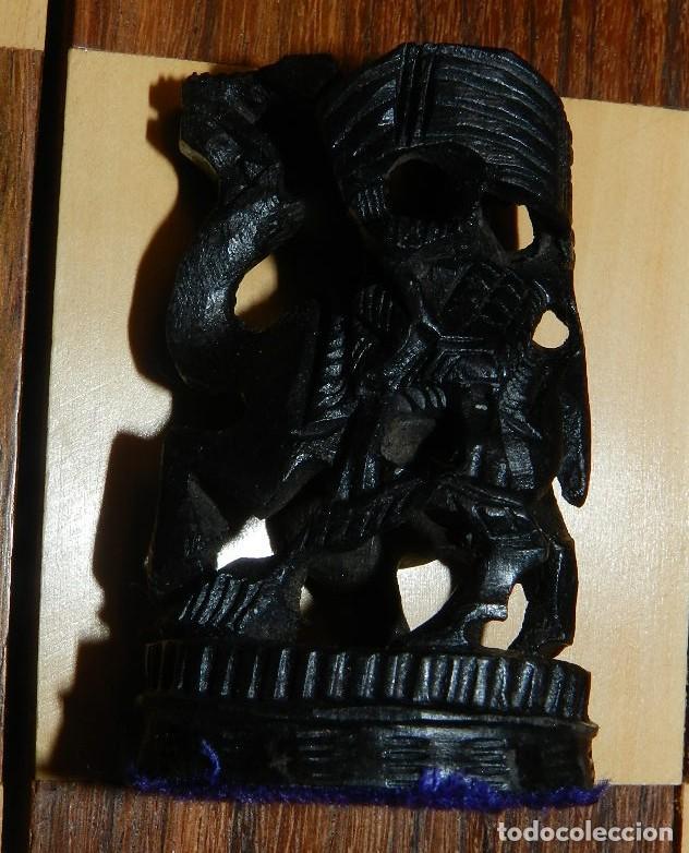 Juegos de mesa: Antiguo Juego de Ajedrez Indio tallado a mano, llevalas 32 piezas talladas a mano en madera, todo ta - Foto 34 - 170977843