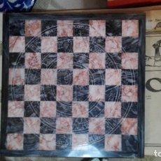 Juegos de mesa: TABLERO MARMOL AJEDREZ TALLADO 19 CM X 19 CM. Lote 171402777