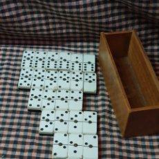 Juegos de mesa: 25 FICHAS DE DOMINO PARA COMPLETAR JUEGO. CAJA SIN TAPA.. Lote 176327084