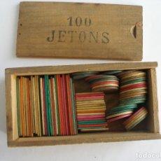 Juegos de mesa: CAJA DE MADERA CON FICHAS MADERA DE APUESTAS JETONS PUBLICIDAD LICORES FRANCESES AÑOS 40. Lote 177385153