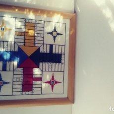 Juegos de mesa: GRAN PARCHIS EN PUNTO DE CRUZ MADERA Y CRISTAL. Lote 177756894