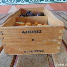 Juegos de mesa: JUEGO DE PIEZAS DE AJEDREZ EN MADERA STAUNTON Nº 6 INCOMPLETO FALTAN 2 FICHAS. Lote 177897504