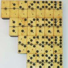 Juegos de mesa: DOMINÓ CLÁSICO COMPLETO EN HUESO Y MADERA EBONIZADA. Lote 178931626