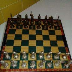 Juegos de mesa: AJEDREZ DE METAL GRIEGO. Lote 179159847