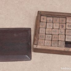 Juegos de mesa: CURIOSO JUEGO DE DADOS. MADERA DE HAYA.. Lote 179310057
