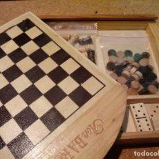 Juegos de mesa: AJEDREZ CON DAMAS Y DOMINO DE VIAJE. Lote 180906782