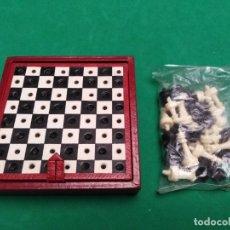 Juegos de mesa: JUEGO MINI AJEDREZ ANTIGUO. Lote 182097780