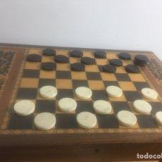 Juegos de mesa: MESITA CON MARQUETERÍA MUSICAL PARA DAMAS O AJEDREZ. Lote 183735832