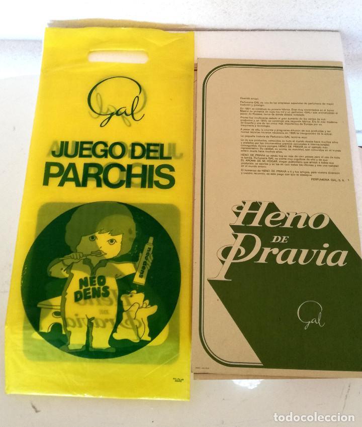 Juegos de mesa: Antiguos juegos Oca y Parchís cartón Obsequio Perfumería Gal con bolsa plástico original años 60 70 - Foto 3 - 183990441