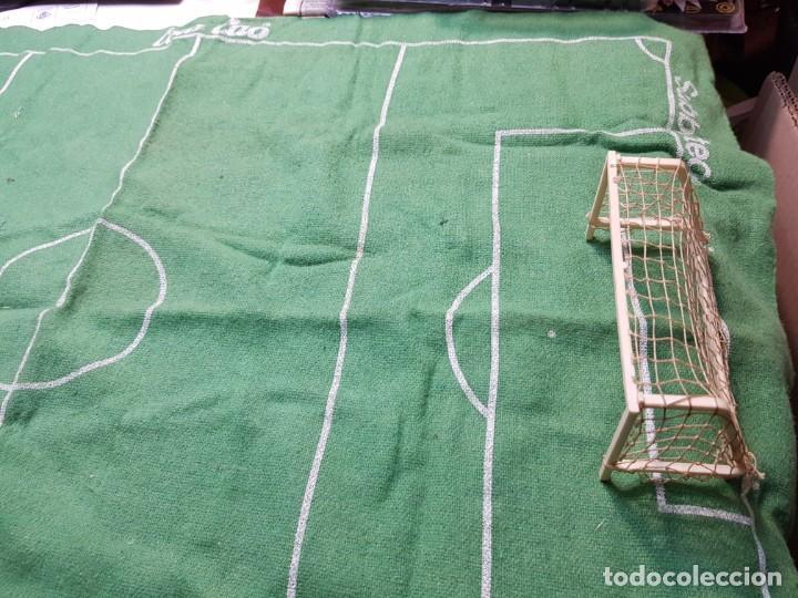Juegos de mesa: Subbuteo Colacao Tapiz y 2 Porterías original muy escaso - Foto 2 - 189183428