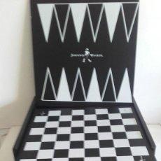 Juegos de mesa: CAJA DE JUEGOS DE MESA EN MADERA JOHNNIE WALKER.. Lote 193317912