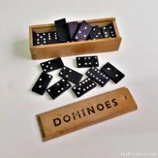 Juegos de mesa: DOMINO EN CAJA MADERA. Lote 193848016