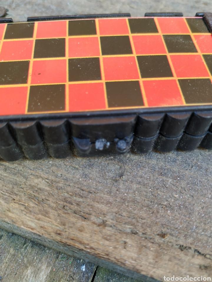 Juegos de mesa: Antigua juego de damas portátil de yogures yoplait - Foto 2 - 193910030