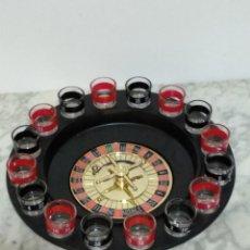 Juegos de mesa: BONITA RULETA CON VASOS DE CHUPITO. Lote 193911808