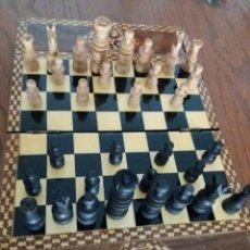 Juegos de mesa: CAJA MARQUETERÍA AJEDREZ MADERA. Lote 194285567