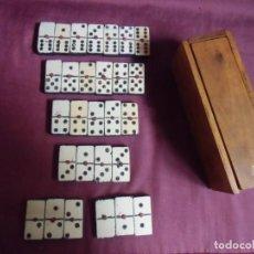 Juegos de mesa: JUEGO ANTIGUO DE DOMINO,FICHAS Y ESTUCHE DE MADERA,TOTALMENTE ARTESANAL.. Lote 194327296