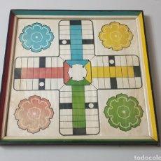 Juegos de mesa: ANTIGUO PARCHIS REVERSIBLE CON DAMAS O AJEDREZ (EN MARCO Y CRISTAL). Lote 195239701